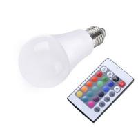 2x LED farbwechsel Lampe mit Fernbedienung inkl. Versand um 13,32 €
