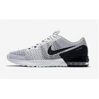Nike – bis zu 50 % Rabatt & kostenloser Versand (bis 16.12. um 17 Uhr)