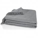 Mömax: Wohndecken (60 % Baumwolle/40 % Acryl) in 4 verschiedenen Farben um je 10 € (inkl. Versand)